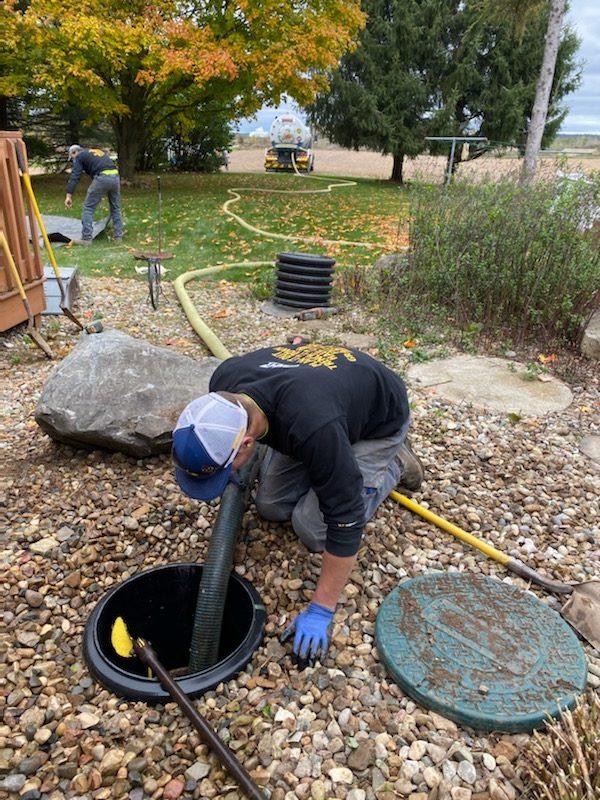 Pumping septic tank